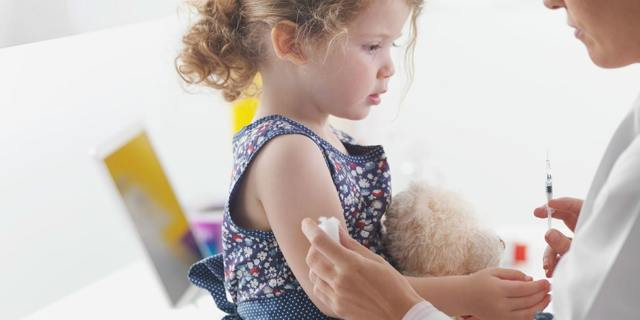 Ночной кашель: врач о причинах возникновения у детей и взрослых, формы и симптомы, лечение