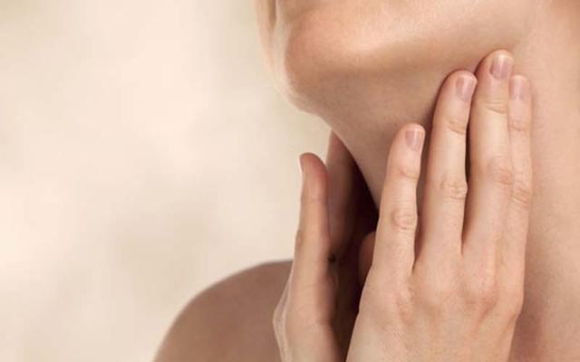 Эпиглоттит (воспаление надгортанника): понятие и развитие, симптомы, лечение