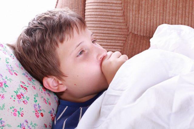 Постоянный кашель ребенка – причины и лечение