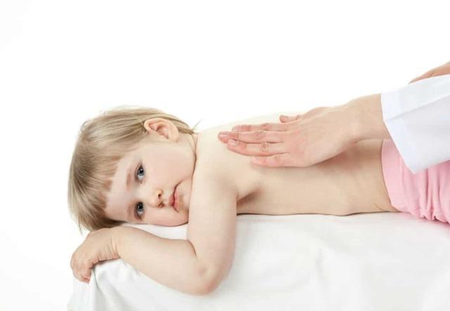 Нужно ли и как правильно делать массаж при кашле