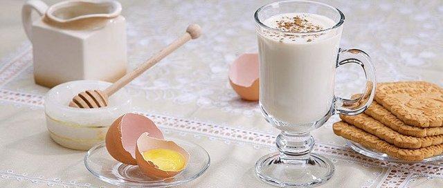 Гоголь-моголь от кашля – рецепт, свойства. Мнения специалистов