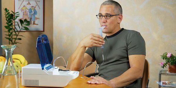 Лечение кашля ингаляциями с физраствором - показания и запреты
