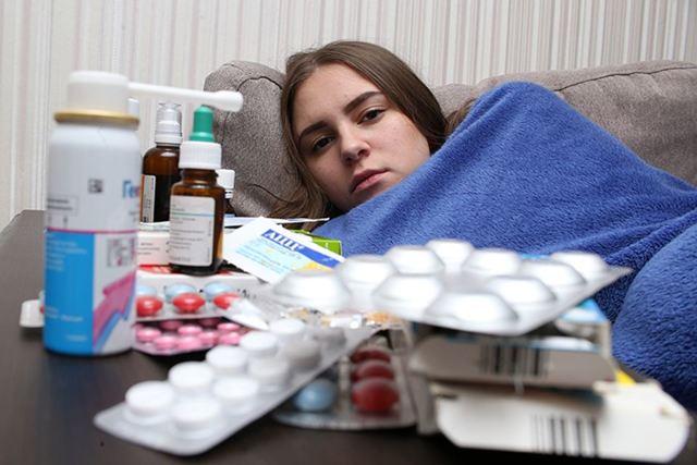 Что делать, когда у взрослого грудной кашель без температуры?