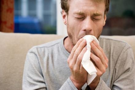 Сухой кашель у взрослого долго не проходит без температуры: причины, разновидности, диагностика, способы лечения, лекарства и народные средства
