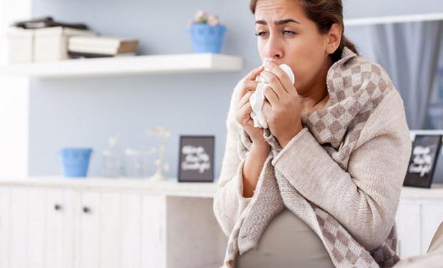 Кашель при глубоком вдохе: причины, симптомы и лечение