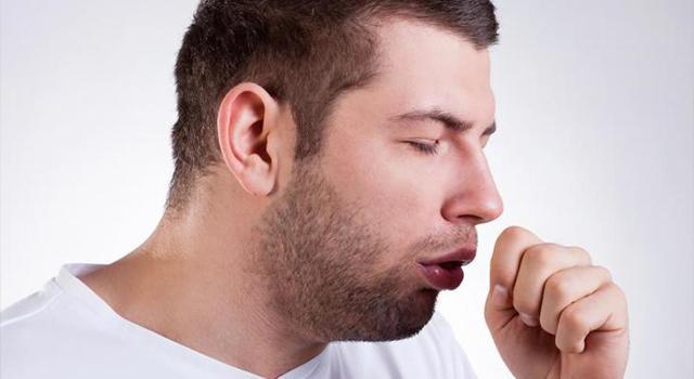 Дерет горло и сухой кашель: причины, симптомы, лечение