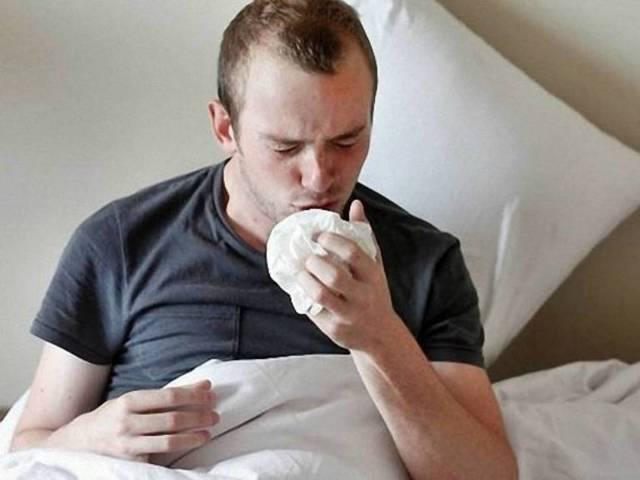 Мокрота с кровью при кашле – причины появления у взрослых