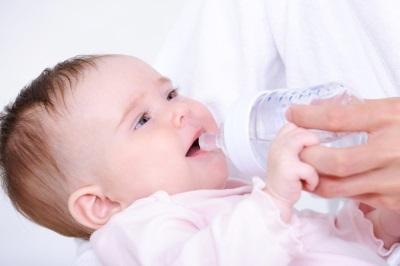 Можно ли купать ребенка при кашле - ответы врачей. Комаровский